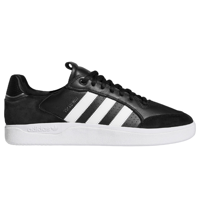 adidas Tyshawn Low Cblack/Ftwwht/Goldmt