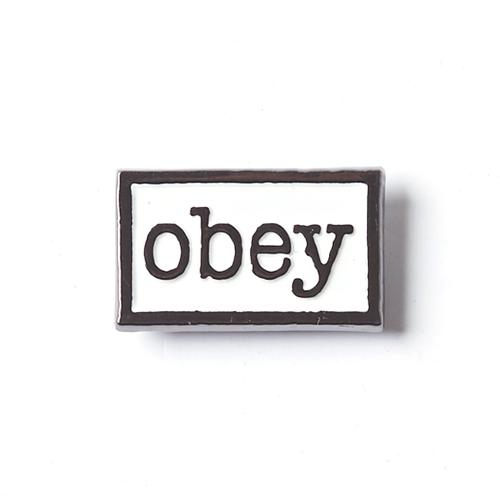Obey Obey Type Pin White/Black